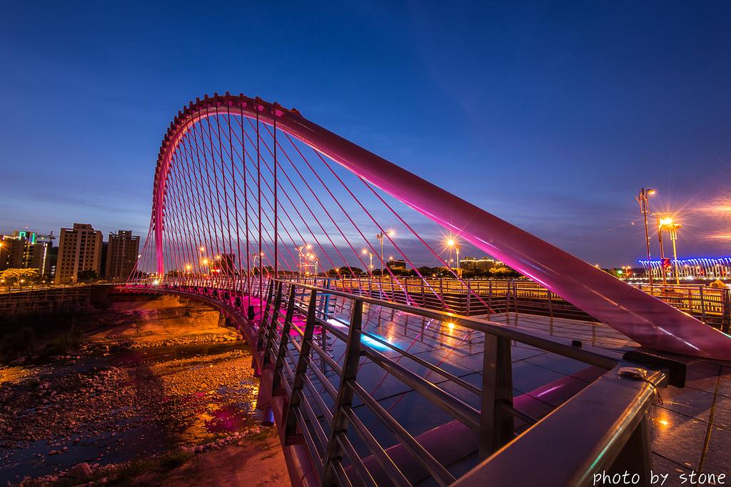 大坑粉紅情人橋